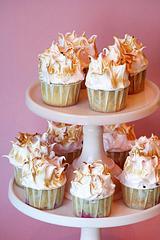ricotta-raspberry-cupcake